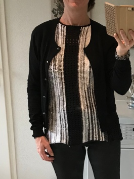 zwart-wit shirt breien 15